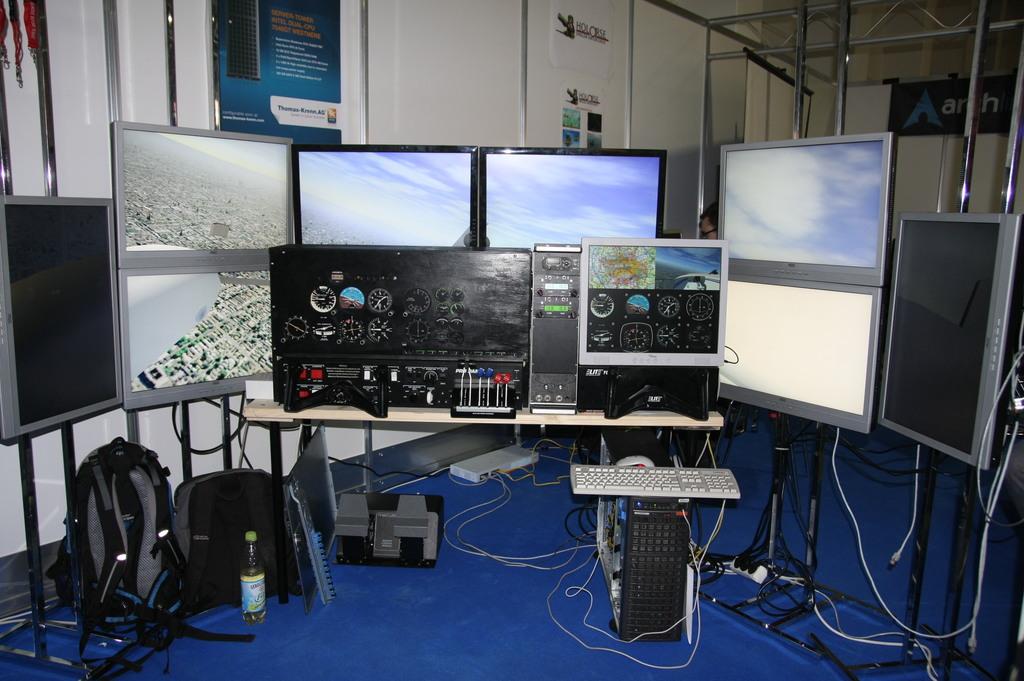 FlightGear forum • View topic - Dual Monitor - 1 view